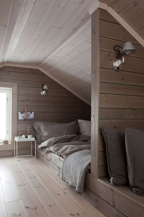 Fabulous Small Attic Bedroom Design Ideas You Will Like 04