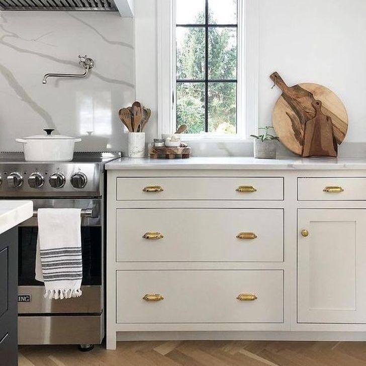 Inspiring Neutral Kitchen Design Ideas 20