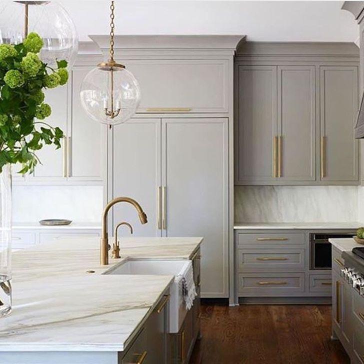 Inspiring Neutral Kitchen Design Ideas 25
