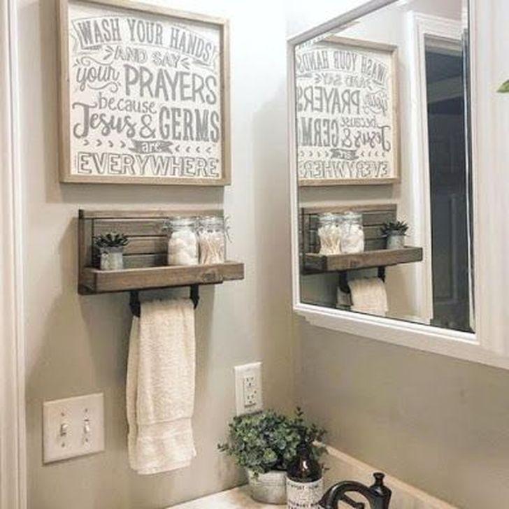 Inspiring Rustic Farmhouse Bathroom Decorating Ideas 23