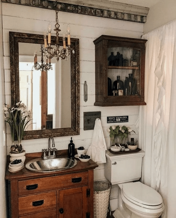 Inspiring Rustic Farmhouse Bathroom Decorating Ideas 25