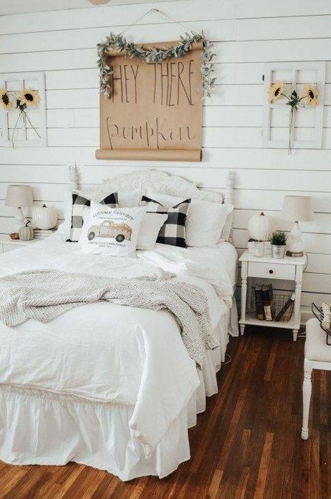 Lovely Fall Bedroom Decor Ideas 08