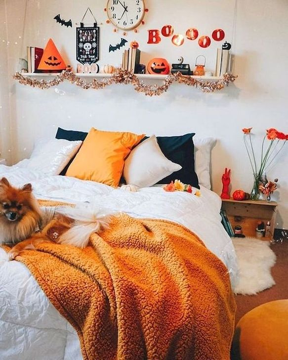 Lovely Fall Bedroom Decor Ideas 09