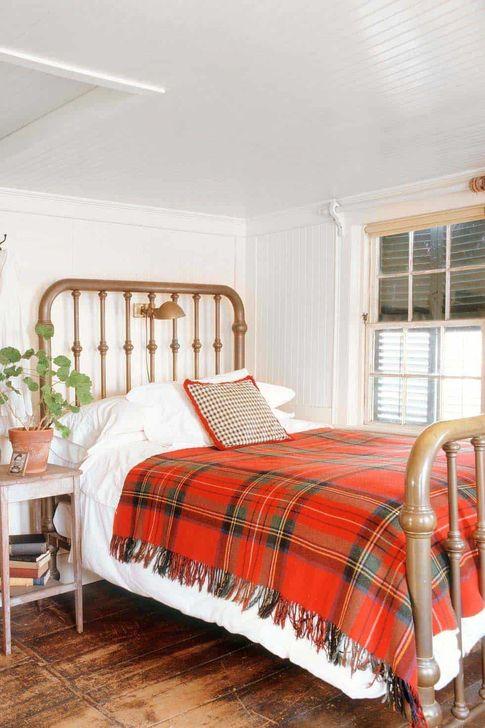 Lovely Fall Bedroom Decor Ideas 24