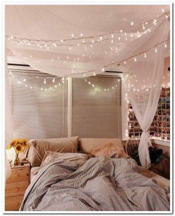 Lovely Fall Bedroom Decor Ideas 26