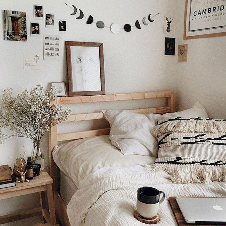 Lovely Fall Bedroom Decor Ideas 33