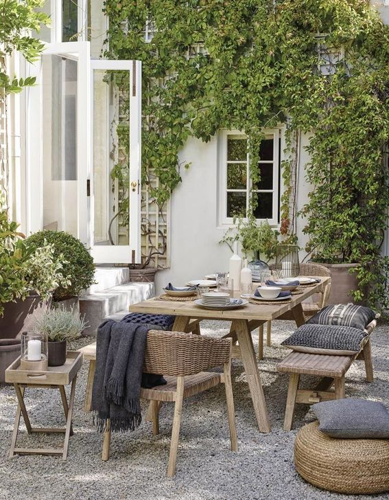 Stunning Outdoor Furniture Ideas Best For Your Backyard 24