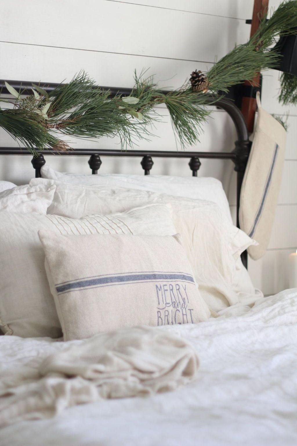 Amazing Farmhouse Style Christmas Bedroom Ideas 06