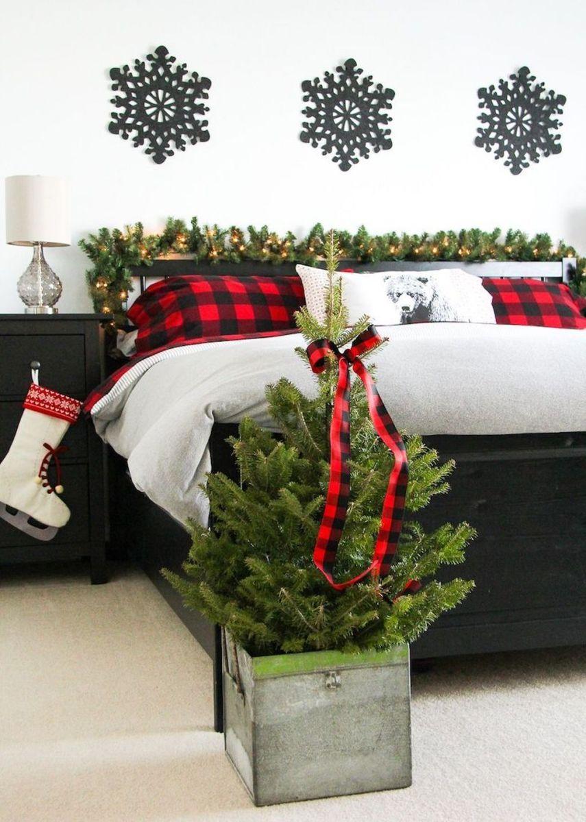 Amazing Farmhouse Style Christmas Bedroom Ideas 37