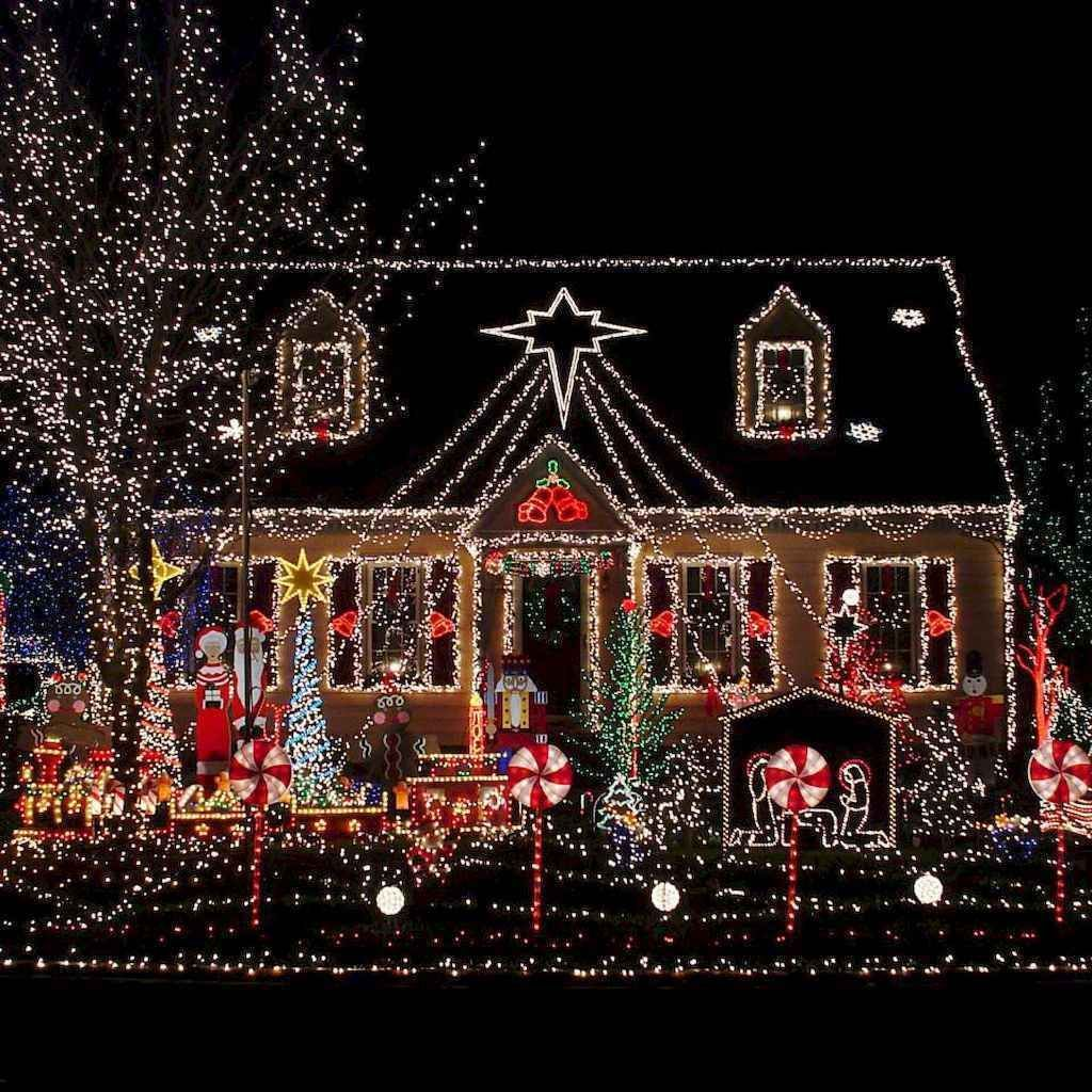 Awesome Christmas Lights Ideas For Exterior Decoration 16