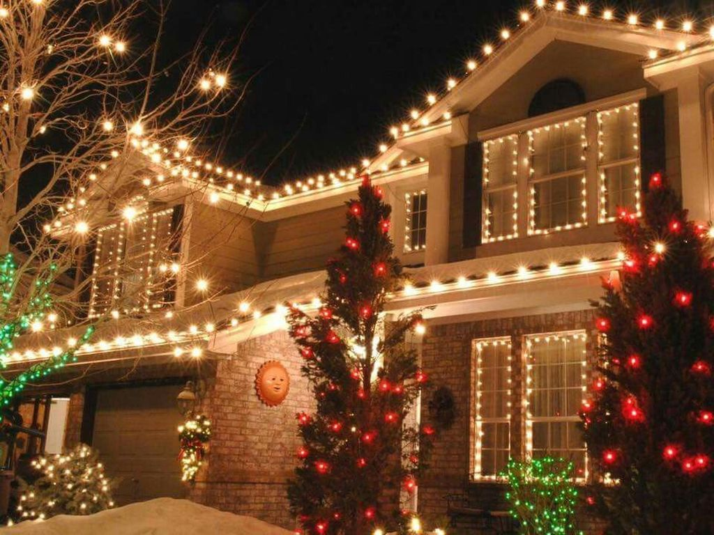 Awesome Christmas Lights Ideas For Exterior Decoration 22