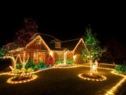Awesome Christmas Lights Ideas For Exterior Decoration 32
