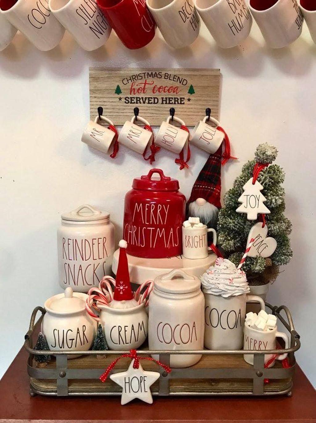 Awesome Christmas Theme Kitchen Decor Ideas 16