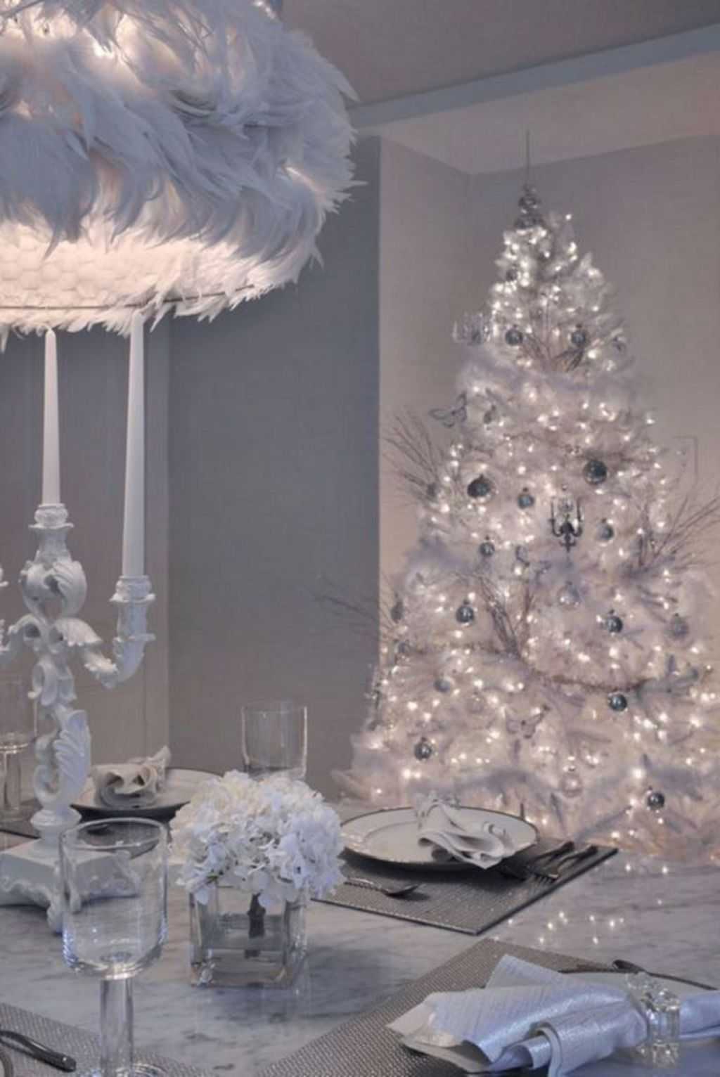 Beautiful Christmas Dining Room Decor Ideas You Never Seen Before 09