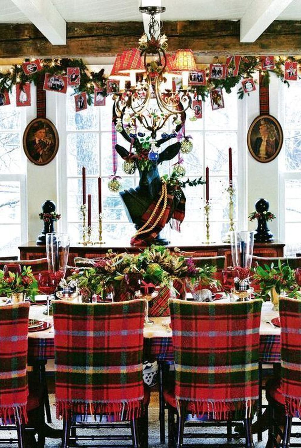 Beautiful Christmas Dining Room Decor Ideas You Never Seen Before 11
