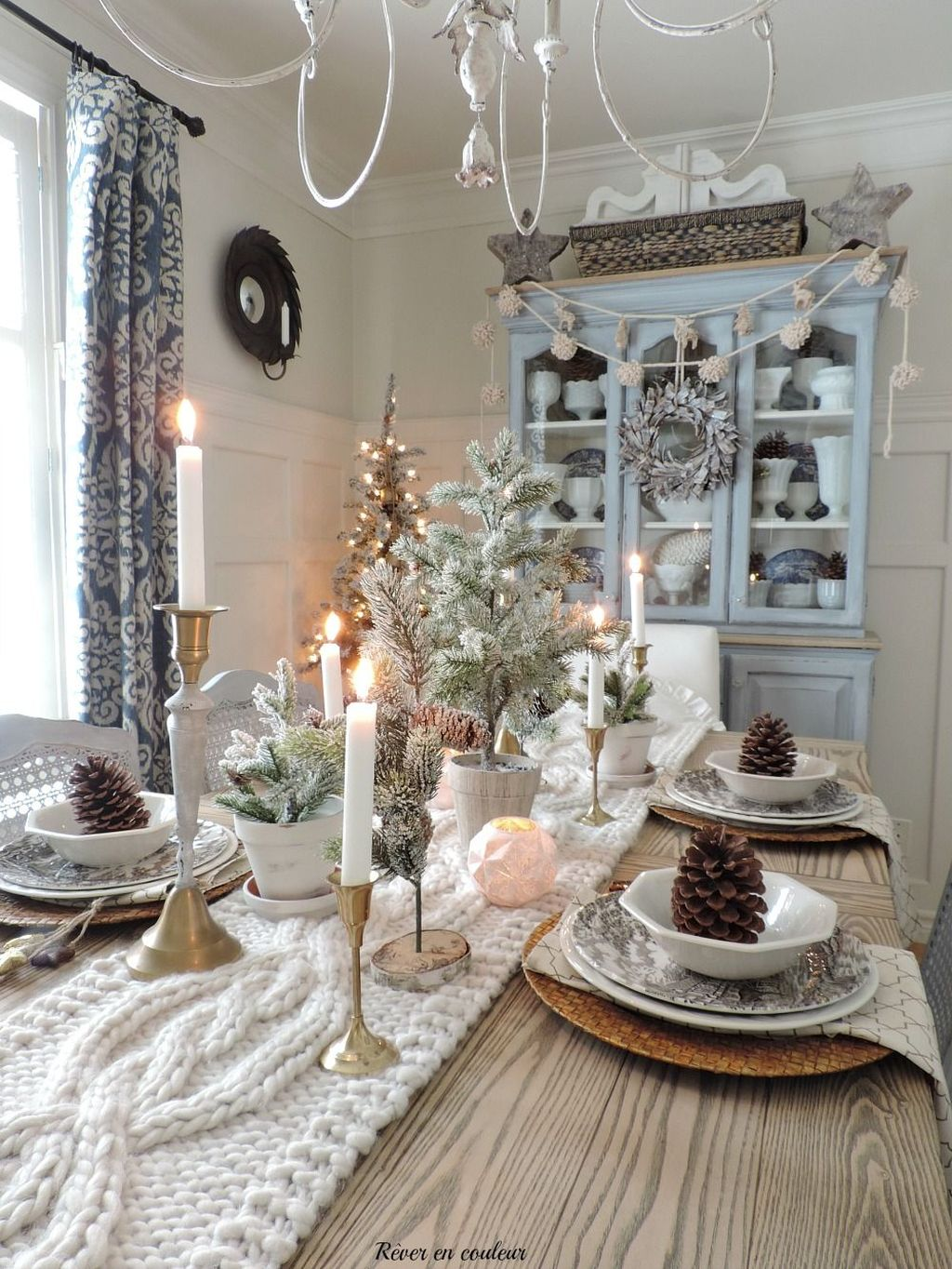 Beautiful Christmas Dining Room Decor Ideas You Never Seen Before 17