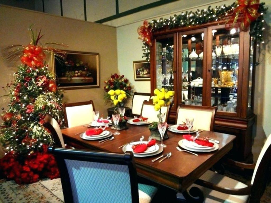 Beautiful Christmas Dining Room Decor Ideas You Never Seen Before 24