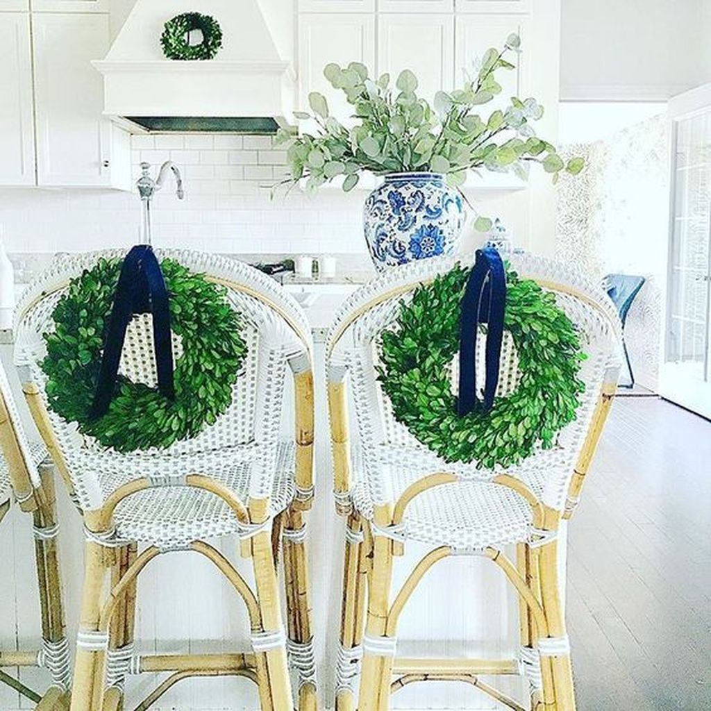 Beautiful Christmas Dining Room Decor Ideas You Never Seen Before 27