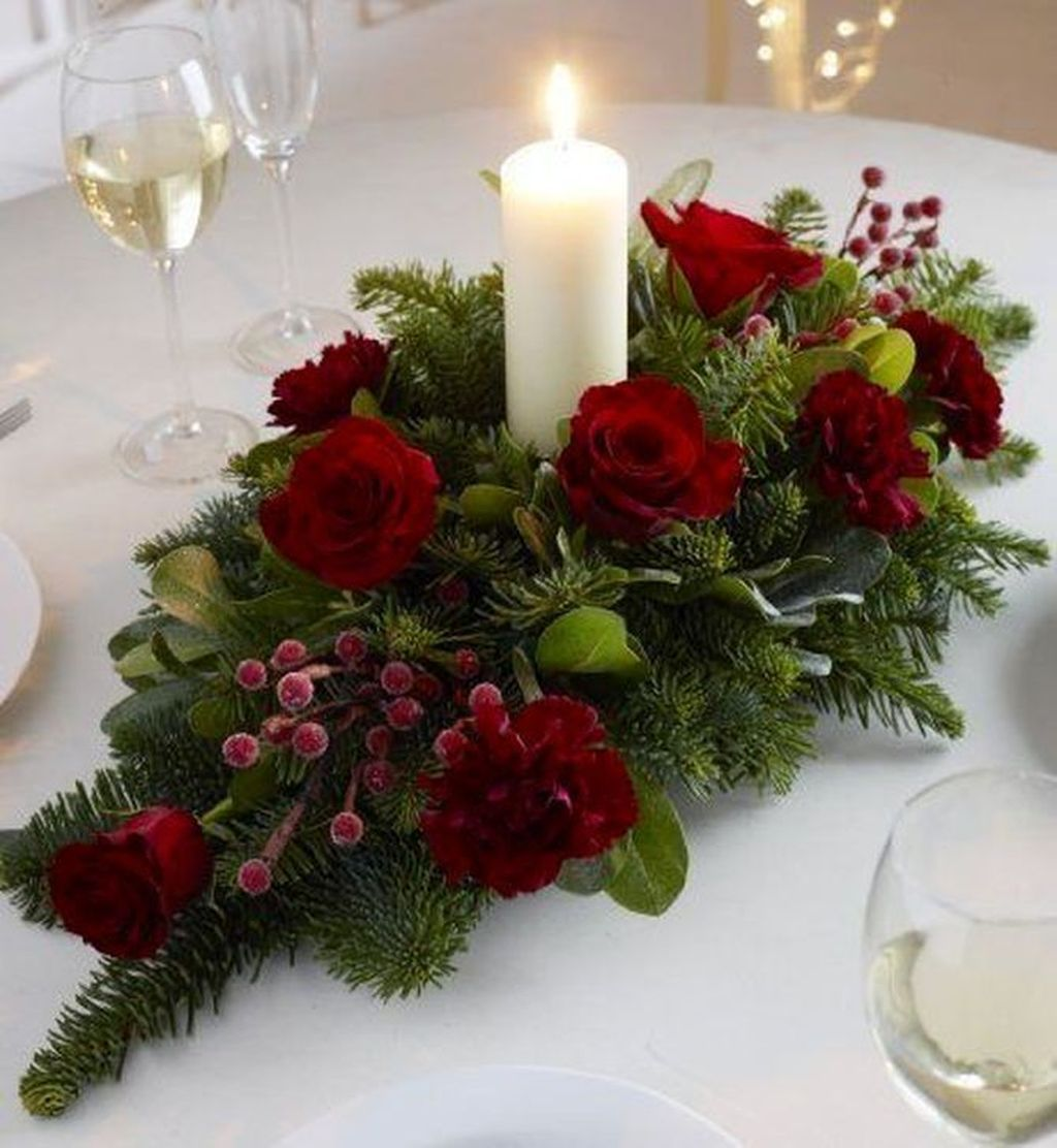 Beautiful Christmas Table Centerpieces For Your Dining Room 06