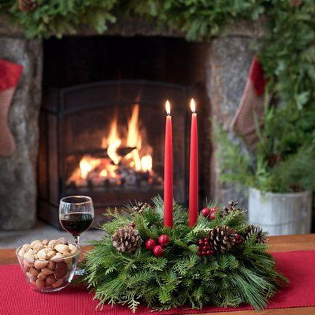 Beautiful Christmas Table Centerpieces For Your Dining Room 26