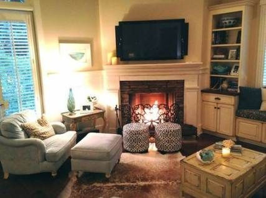 Beautiful Corner Fireplace Design Ideas For Your Living Room 35