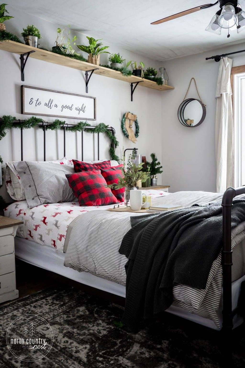Beautiful Winter Bedroom Decor Ideas 18