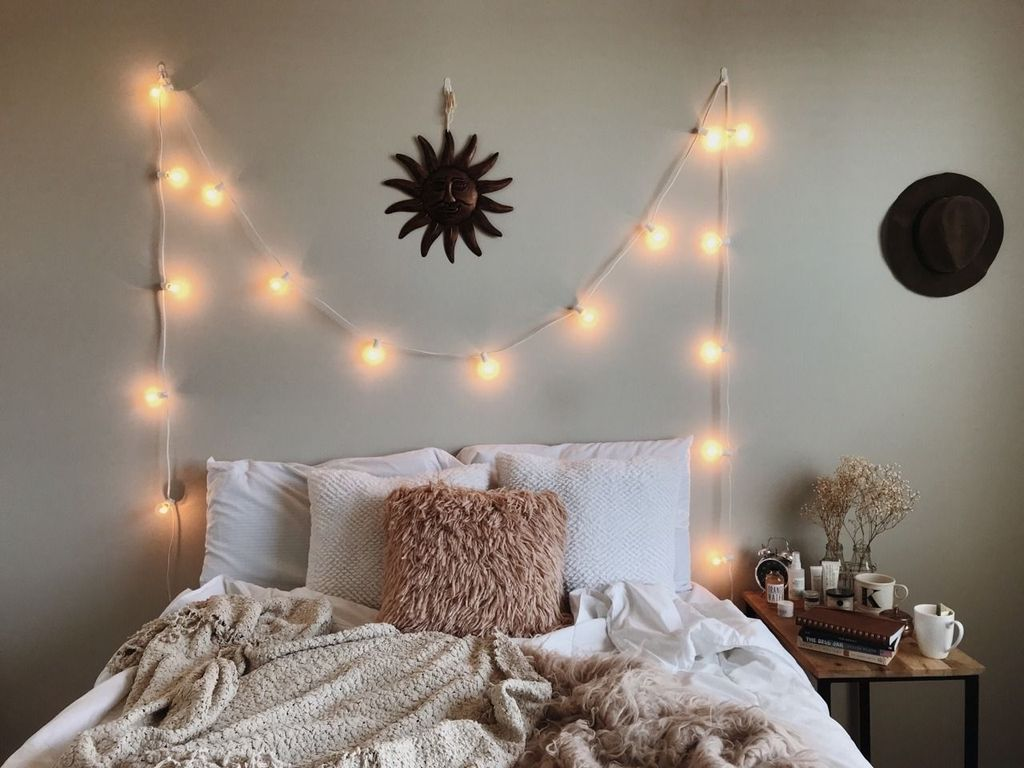 Beautiful Winter Bedroom Decor Ideas 24
