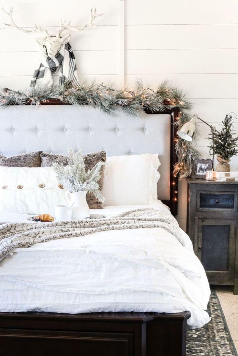 Beautiful Winter Bedroom Decor Ideas 26