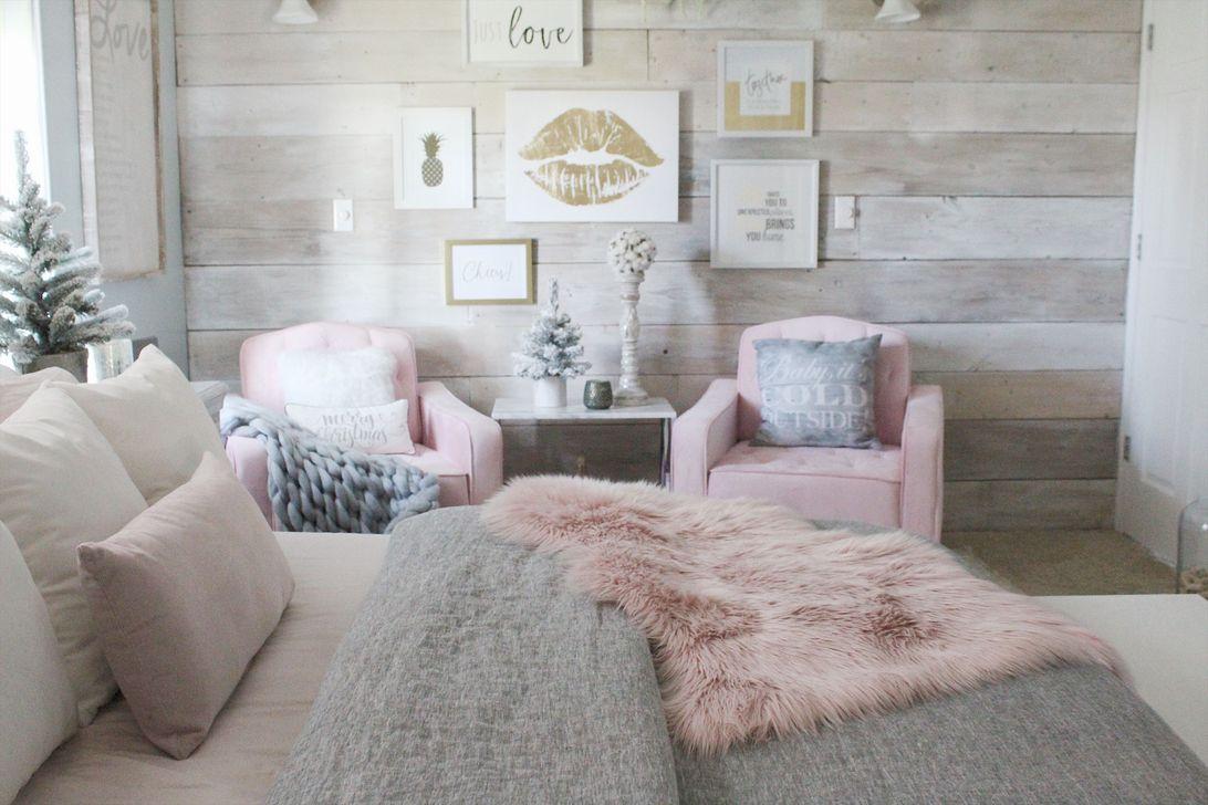 Beautiful Winter Bedroom Decor Ideas 27