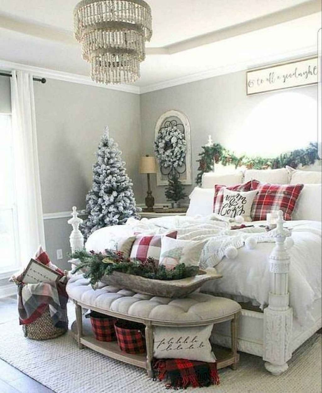 Beautiful Winter Bedroom Decor Ideas 30