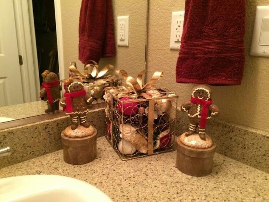 Fabulous Christmas Theme Bathroom Decor Ideas Trend 2019 03