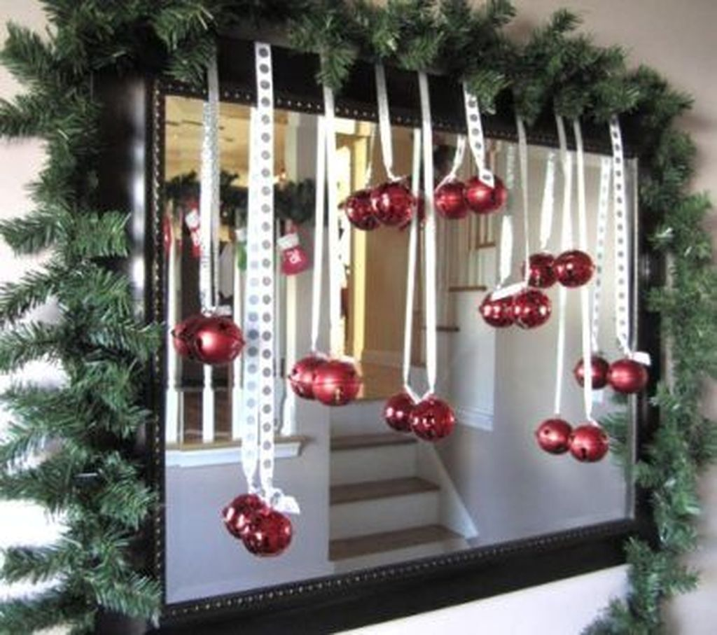 Fabulous Christmas Theme Bathroom Decor Ideas Trend 2019 17