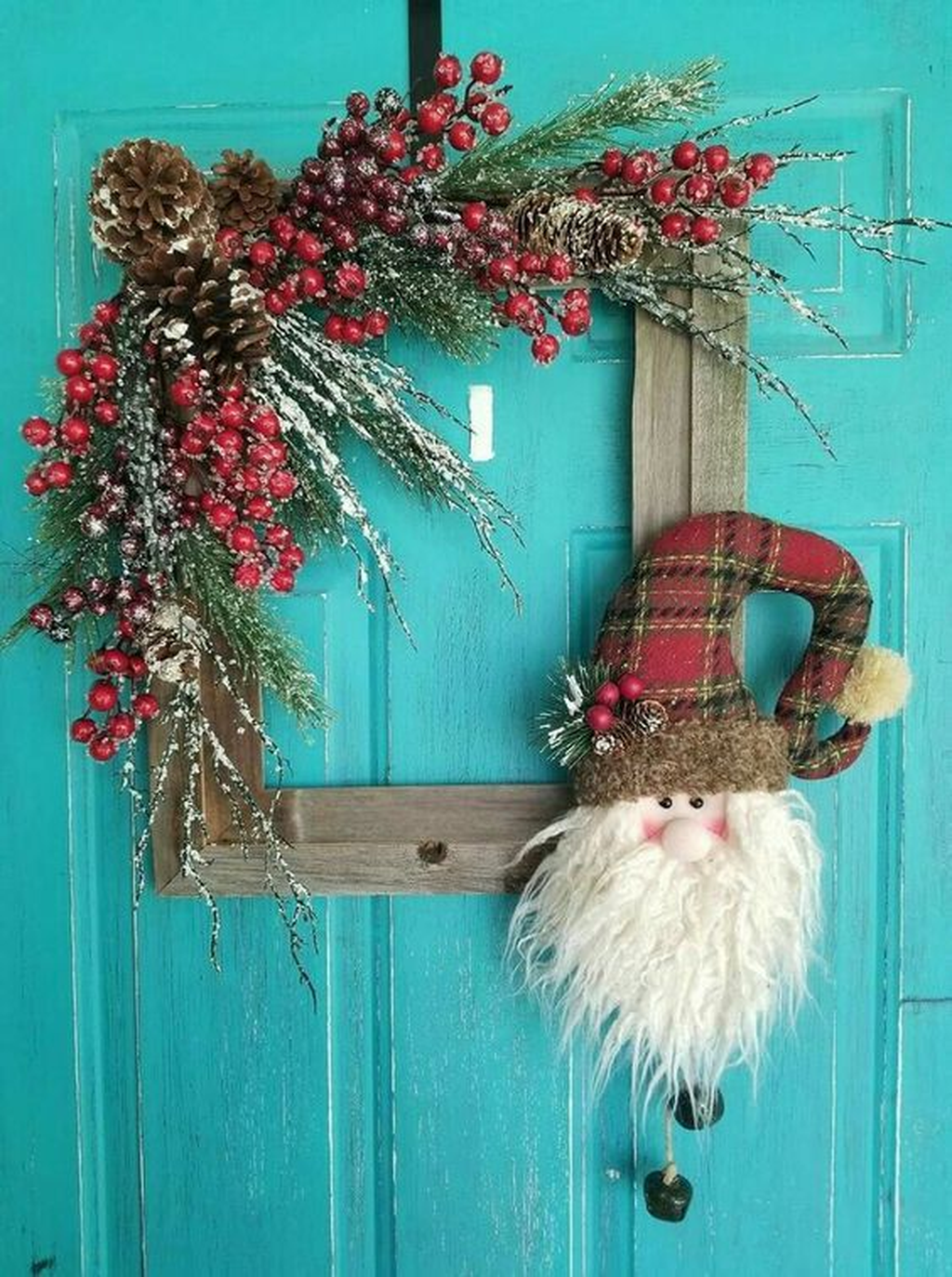 Gorgeous DIY Christmas Wreaths You Should Copy Now 14