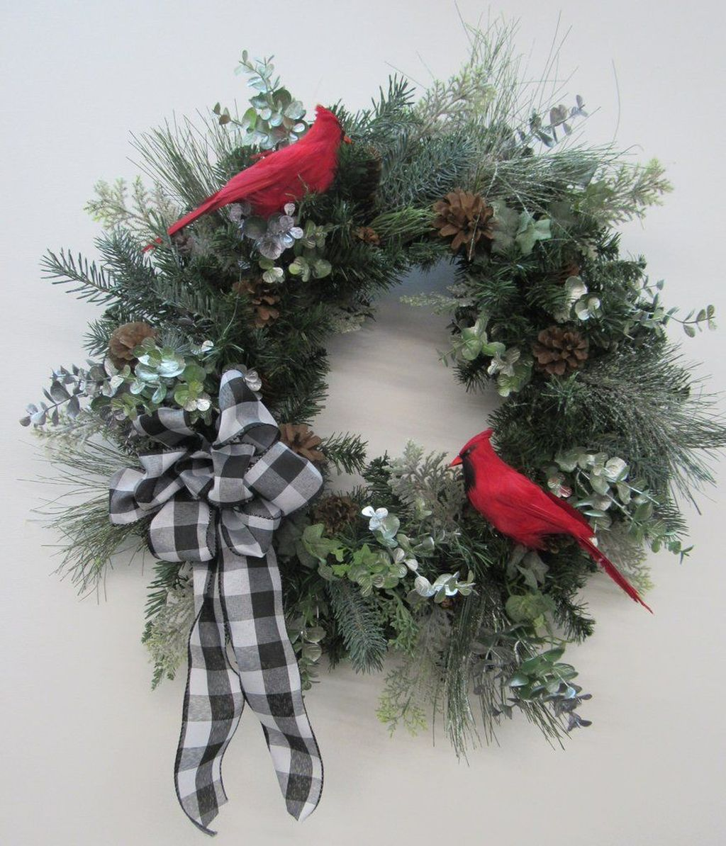 Gorgeous DIY Christmas Wreaths You Should Copy Now 15