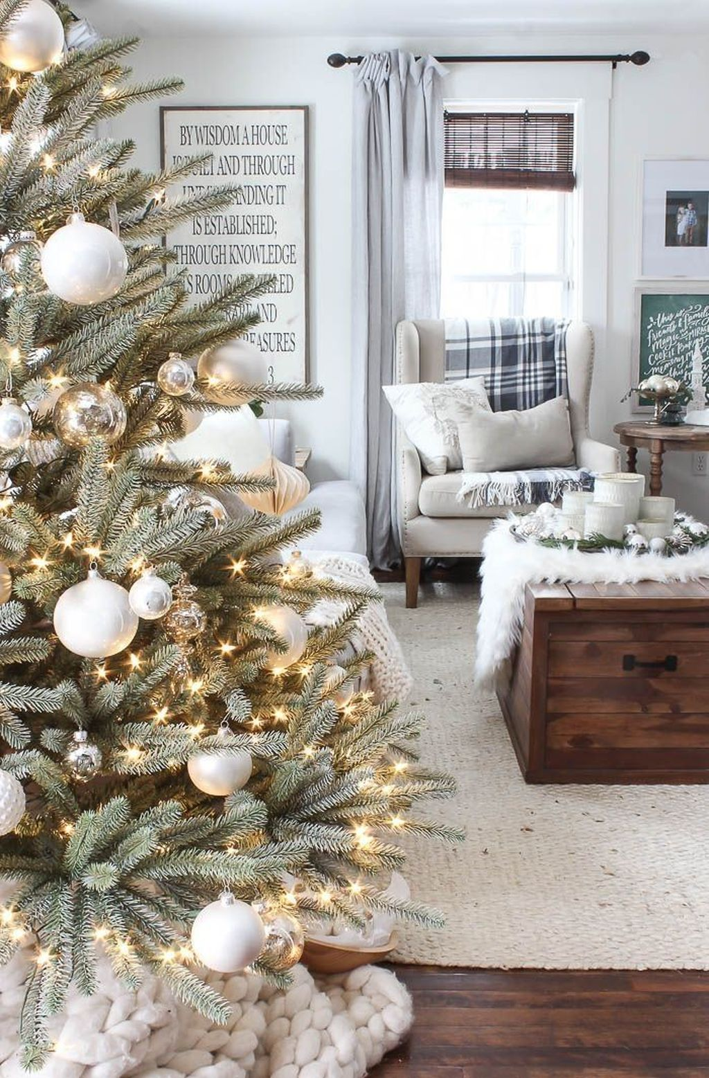 Nice Christmas Decoration Ideas For Apartment 03
