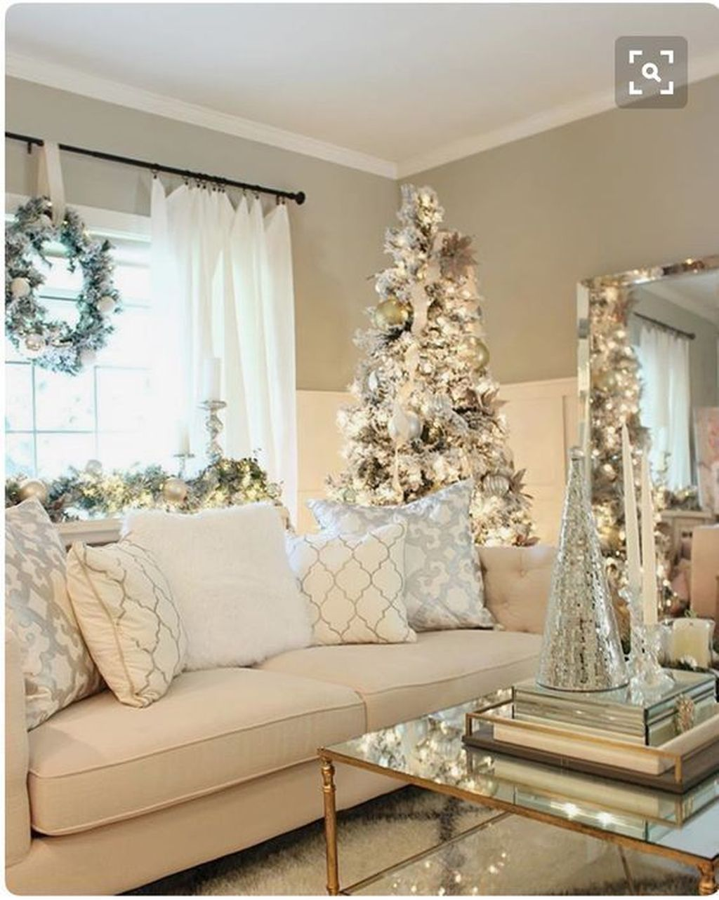 Nice Christmas Decoration Ideas For Apartment 21