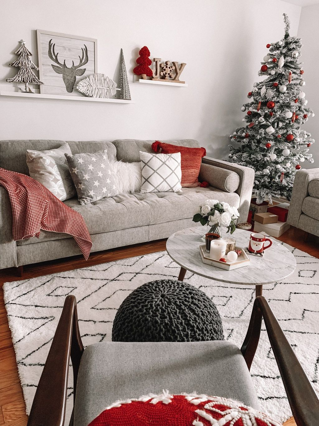 Nice Christmas Decoration Ideas For Apartment 27