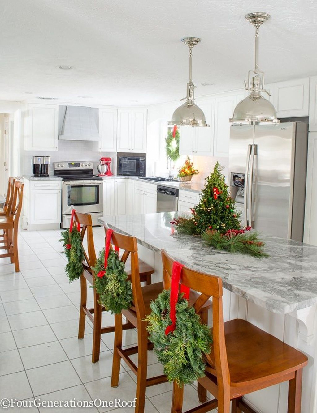 Popular Christmas Decor Ideas For Kitchen Island 04