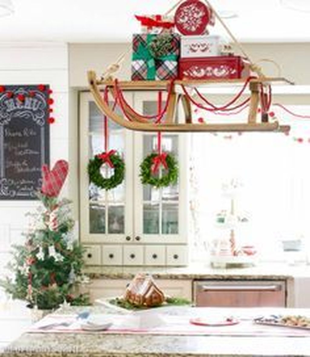 Popular Christmas Decor Ideas For Kitchen Island 26