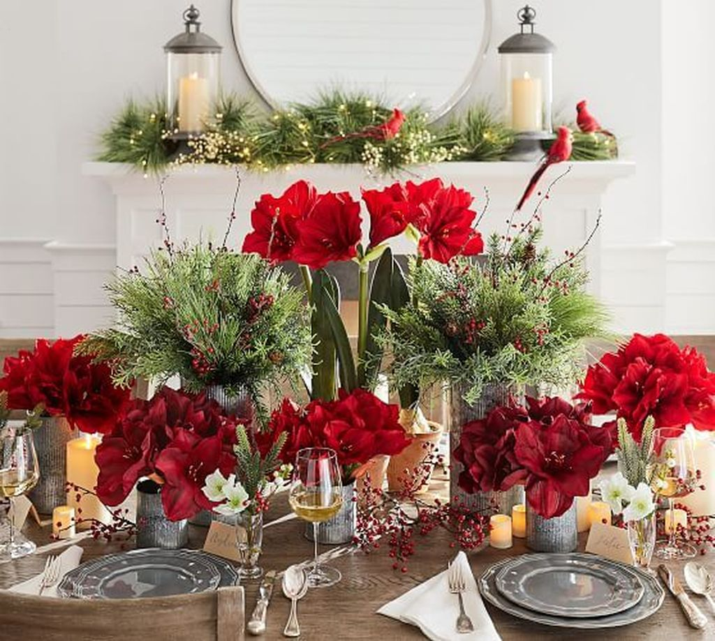 Popular Christmas Decor Ideas For Kitchen Island 29