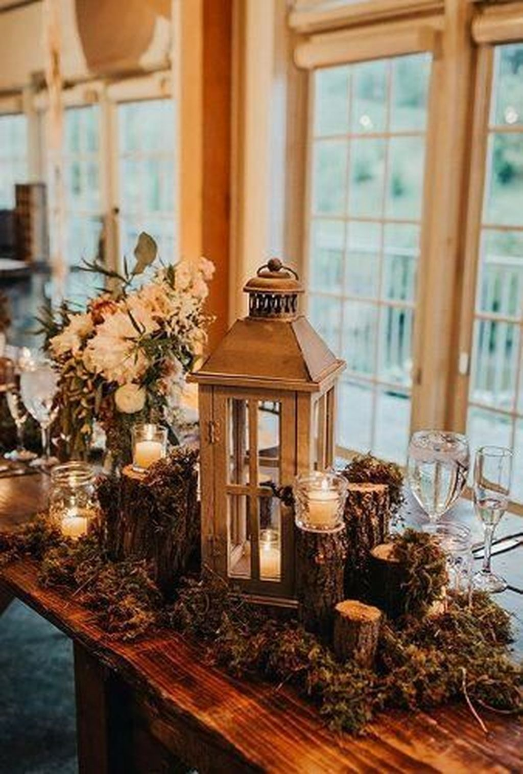 Popular Winter Table Centerpieces Ideas Best For Wedding 07