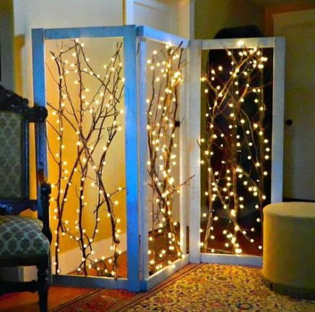 Stunning Christmas Lights Decoration Ideas In The Bedroom 08