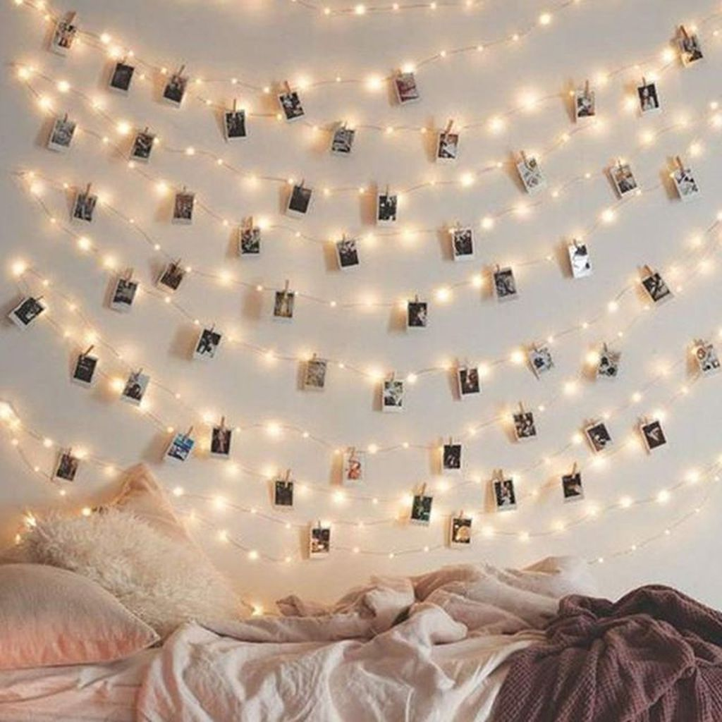 Stunning Christmas Lights Decoration Ideas In The Bedroom 21