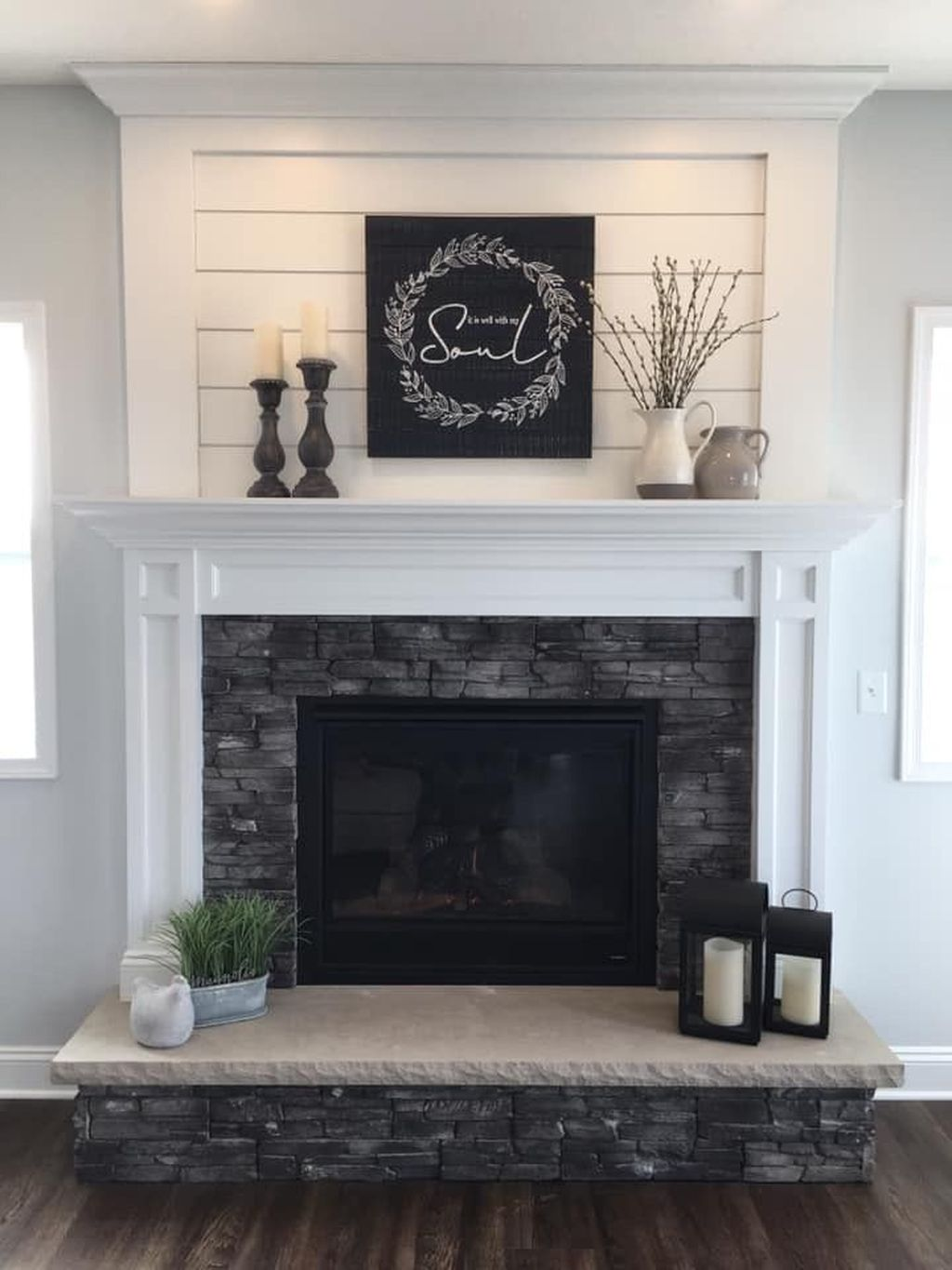 Stunning Fireplace Mantel Decor Ideas You Should Copy Now 17