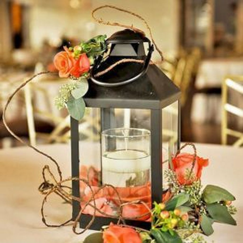 Stunning Winter Lantern Centerpieces For Wedding 01