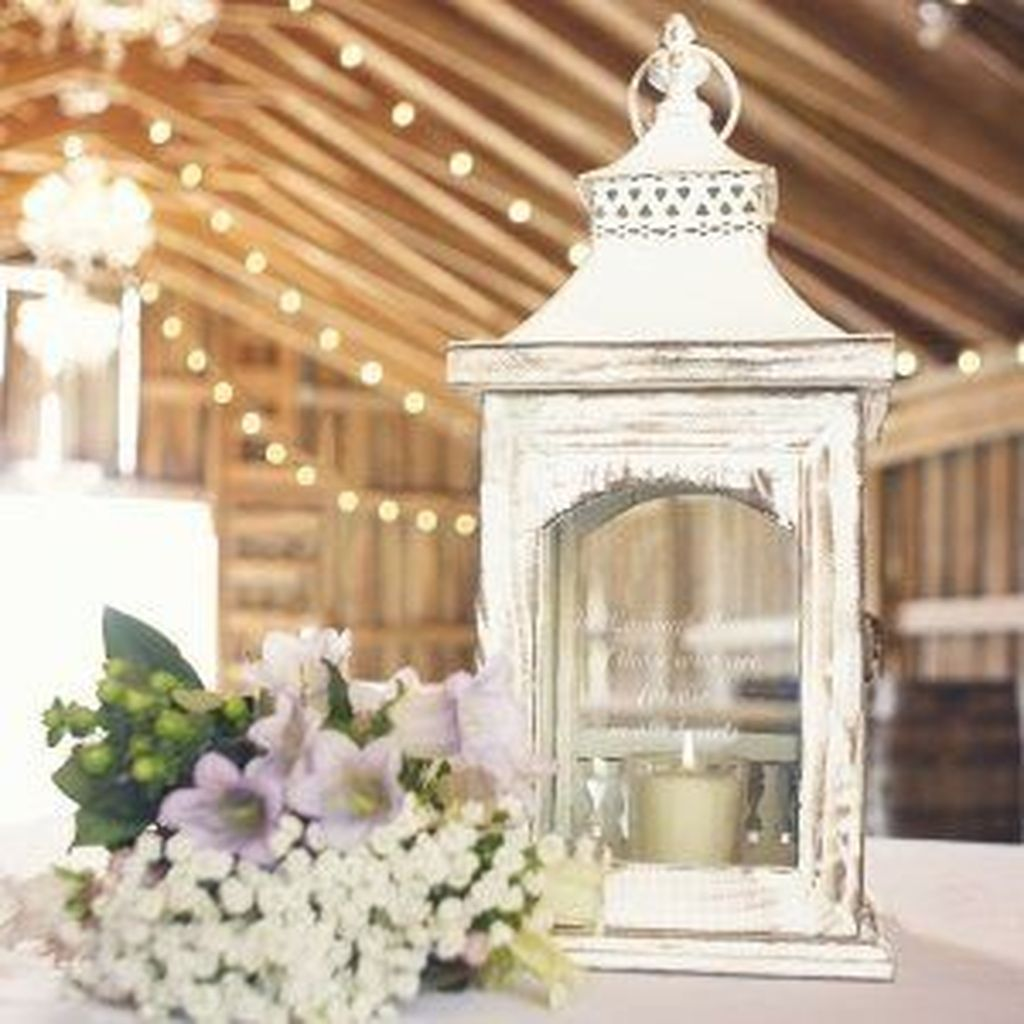Stunning Winter Lantern Centerpieces For Wedding 02