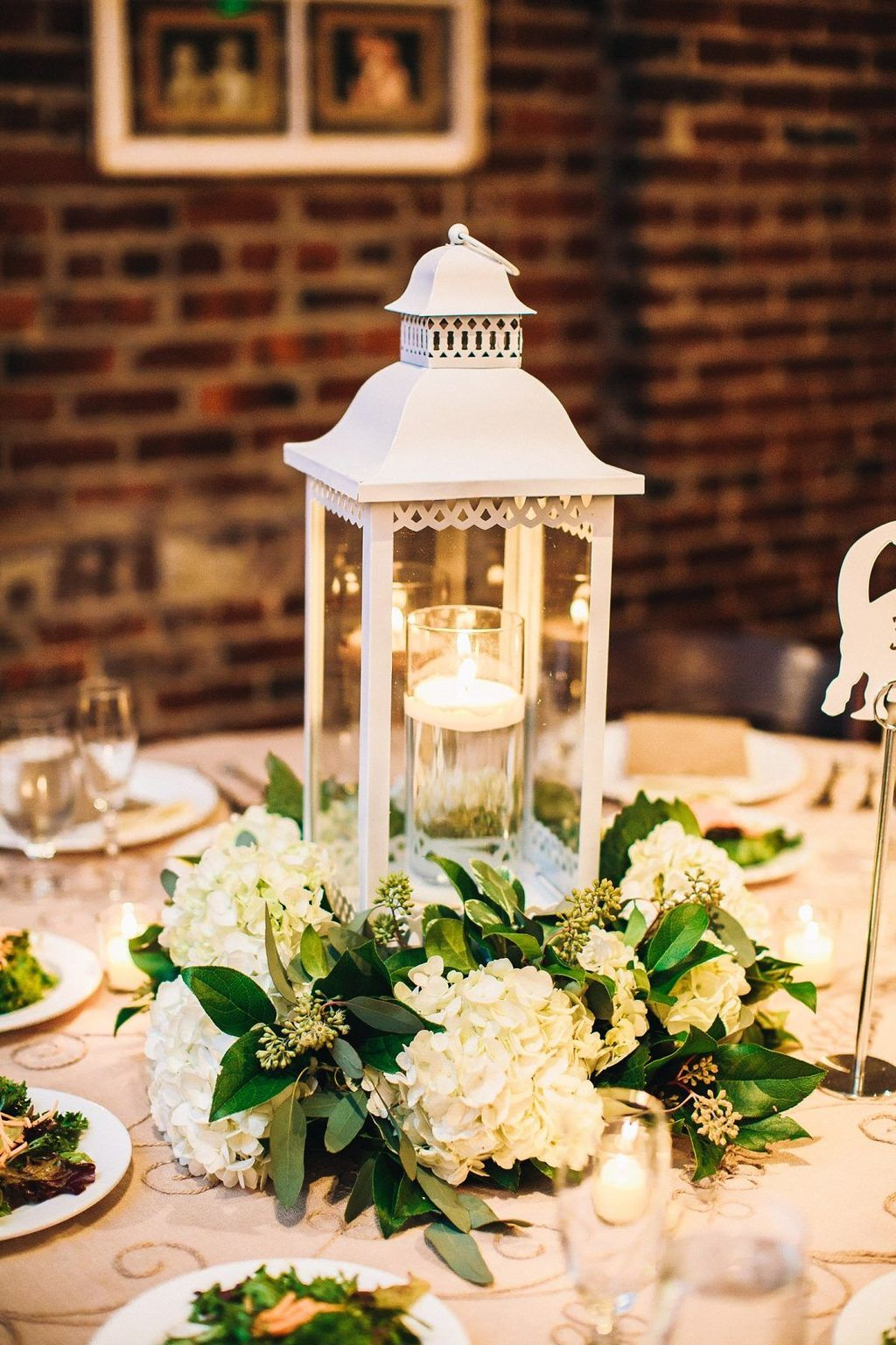 Stunning Winter Lantern Centerpieces For Wedding 06