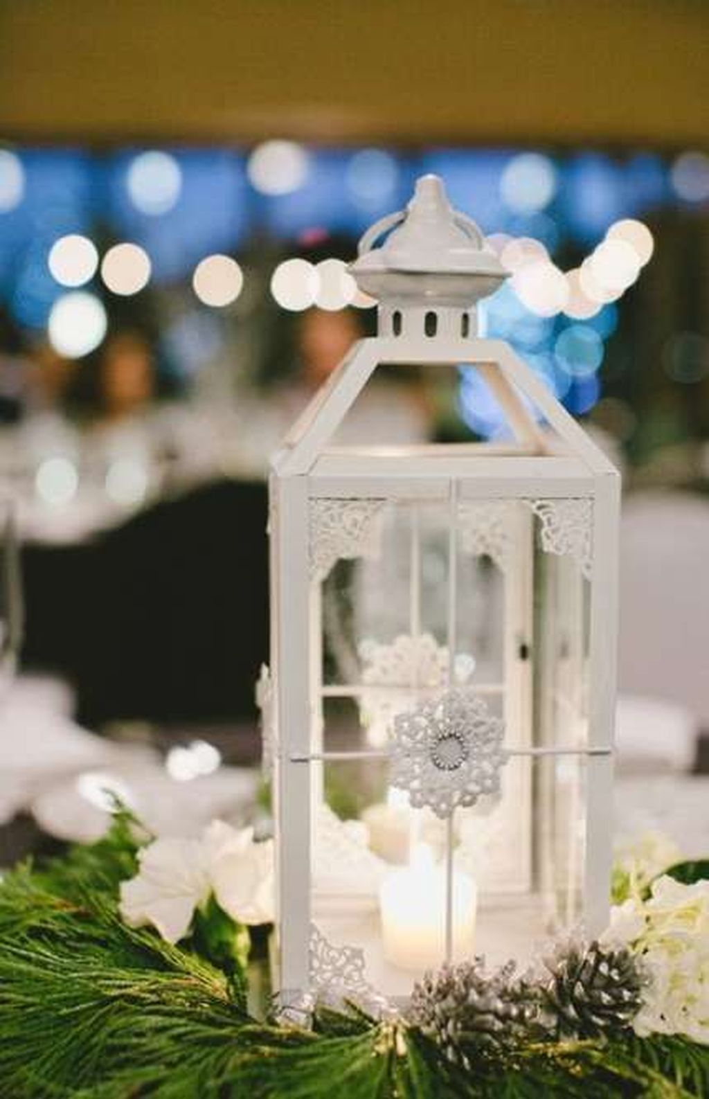 Stunning Winter Lantern Centerpieces For Wedding 12