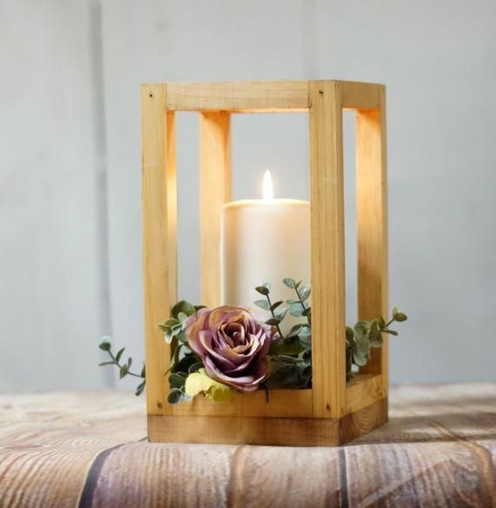 Stunning Winter Lantern Centerpieces For Wedding 21