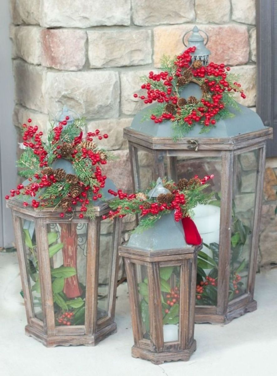 The Best Christmas Lanterns Outdoor Ideas Best For Front Porches 27